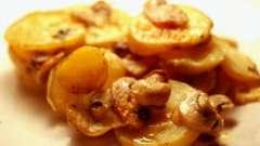 Ароматный и вкусный картофель с грибами в мультиварке