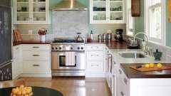 Чтобы сделать ремонт маленькой кухни, нужна большая фантазия