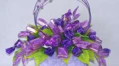 Делаем цветы из конфет своими руками