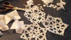Делаем новогодние снежинки своими руками