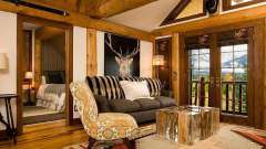 Деревенский стиль в интерьере загородного дома: мебель, аксессуары, кухонная утварь