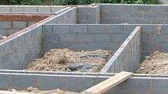 Фундамент для дома из керамзитобетонных блоков: технология монтажа, разновидности и отзывы