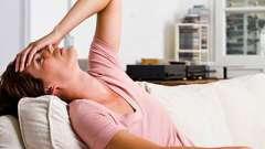 Голова болит с похмелья, что делать? Как быстро избавиться от похмелья?