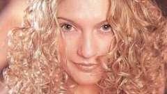 Химия на средние волосы: как стать кудрявой красоткой?