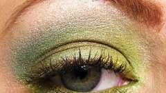 Изумрудный макияж: подчеркиваем каре-зеленые глаза