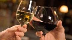 Как и с чем пьют вино