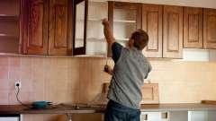Как повесить на стену кухонные шкафы? Типы крепежа