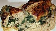 Как приготовить куриную грудку на сковороде с сыром, зеленью и чесноком?