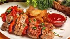 Как приготовить куриный шашлычок на шпажках в духовке?
