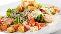 Как приготовить невероятно вкусный салат «цезарь» с креветками
