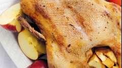 Как приготовить вкусную утку с яблоками к праздничному столу?