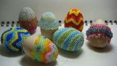 Как производится плетение бисером пасхальных яиц
