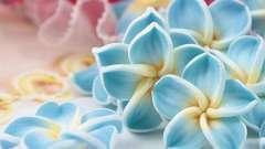 Как сделать цветы из полимерной глины? Мастер-класс по изготовлению цветочного кулона.