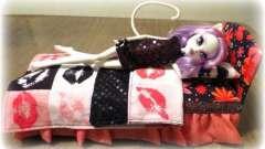 """Как сделать для кукол """"монстер хай"""" кровать своими руками?"""