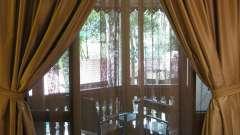 Какие выбрать шторы на балкон?