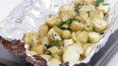 Картошка в фольге: быстро и очень вкусно