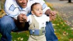 Когда ребенка можно ставить на ножки? Факты, мнения, рекомендации