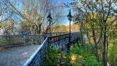 Мост влюбленных в киеве: история и современность