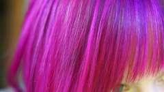 Можно ли во время месячных красить волосы: факты и рекомендации