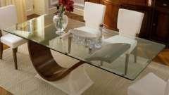 Насколько практичен обеденный стеклянный стол?