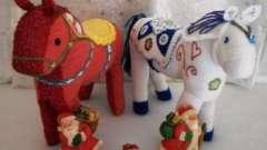 Новогодняя поделка - лошадка. Своими руками изготавливаем подарки родным и близким