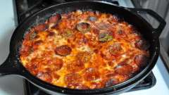 Пицца на сковороде: рецепт простого завтрака