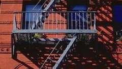 Пожарная лестница: виды и применение