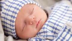 Приданное для новорожденного летом: что понадобится в первые месяцы?