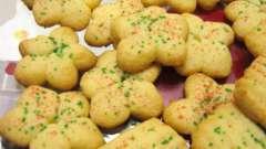 Рецепт печенья для формочек - с карамелью, фундуком и в виде грибов