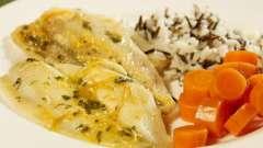 Рыба с морковью и луком в духовке: рецепт приготовления. Как запечь рыбу с морковью и луком в духовке?
