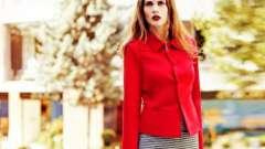 С чем лучше всего носить красный пиджак?
