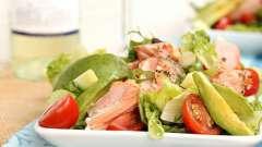 Салат из авокадо и красной рыбы: рецепт