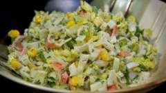 Салат крабовый с кукурузой и огурцом. Рецепты