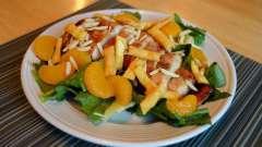 Салат с мандаринами. Фруктовый салат из яблок и мандарина. Салат с мандаринами и сыром