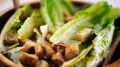 Салат с ветчиной и сухариками: тысячи обличий одного блюда