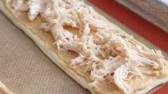 Слоеный пирог из куры из слоеного теста: рецепт, фото