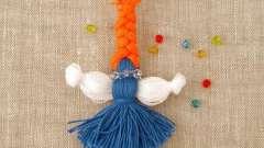 Снеговик и лечебная кукла из ниток своими руками