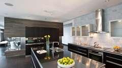 Стеклянные фасады: практичные кухни