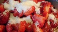 Свежая земляника, протертая с сахаром: истинное наслаждение и польза