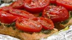 Традиционные рецепты: запекаем рыбу в фольге в духовке