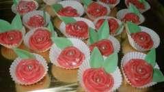 Украшение для торта: цветы из мастики