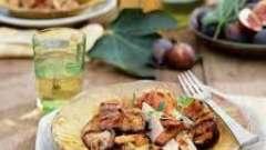 Вкусно и сытно: салат с куриной грудки с грибами