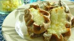 Вкусные карельские пирожки: рецепт с мятым картофелем